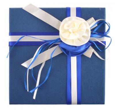 Подаръчна кутия с цвете