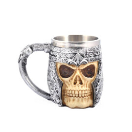 Чаша за бира Череп с броня