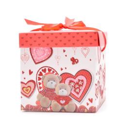 Подаръчна кутия - мечета и сърца 20см.