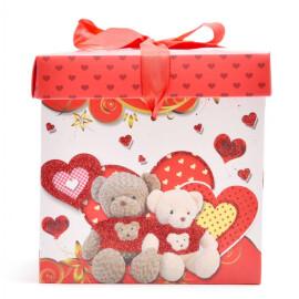 Подаръчна кутия - мечета и сърца 15см.