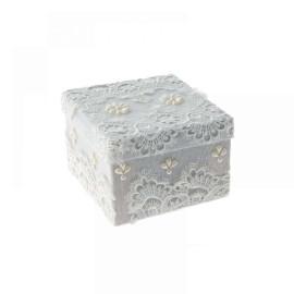Подаръчна кутия с дантела - бяла