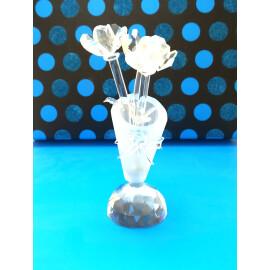Кристални рози във ваза