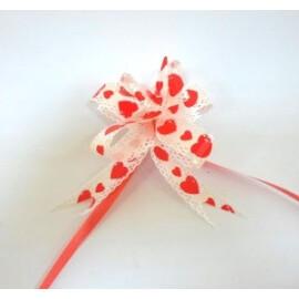 Подаръчна панделка бяла с червени сърчица